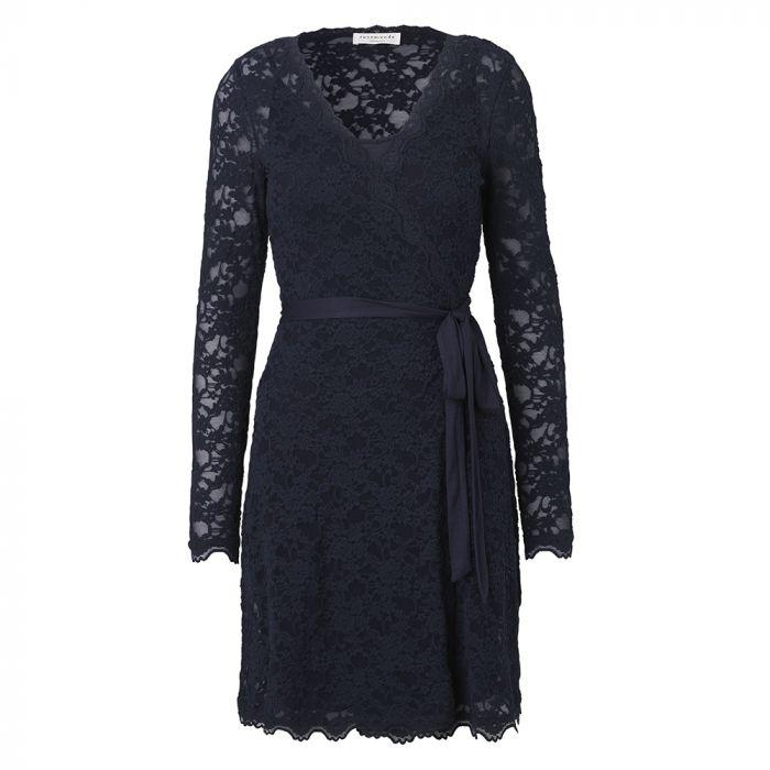 To Rosemunde kjoler til konen på valentinsdag