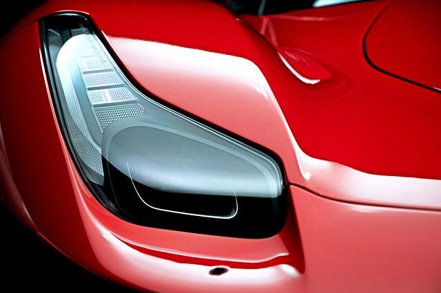 Kom i bilverdens superliga med en Ferrari